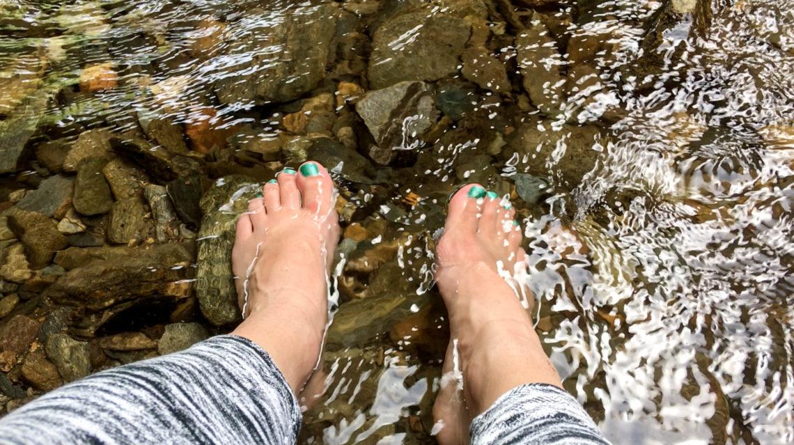 Chemin de compostelle prendre soin de ses pieds