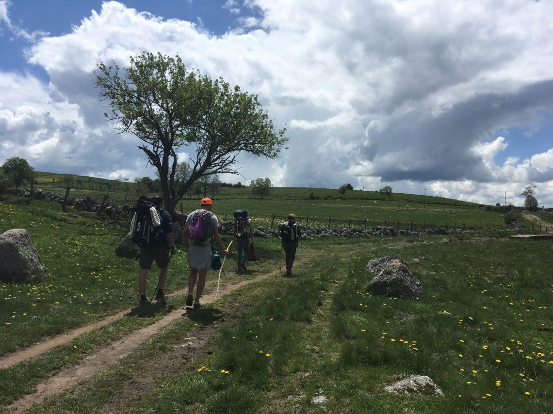 Pèlerins st jacques compostelle randonnée